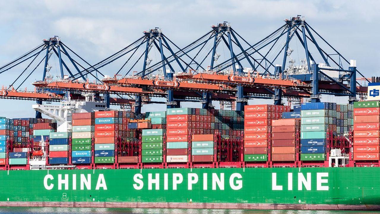 Cela fait des années que l'Union européenne a commencé à cesser d'être naïve à l'égard de la Chine. Cela a commencé quand elle lui a refusé le statut d'économie de marché en 2016. Ici le port de Rotterdam, où débarquent les containers en provenance de Chine.