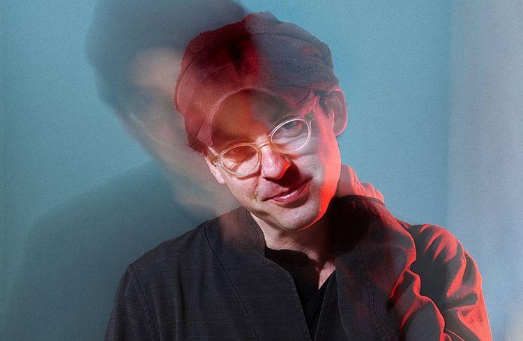Alec Ounsworth signe toutes les compositions de New Fragility, le dernier album de CYHSY.