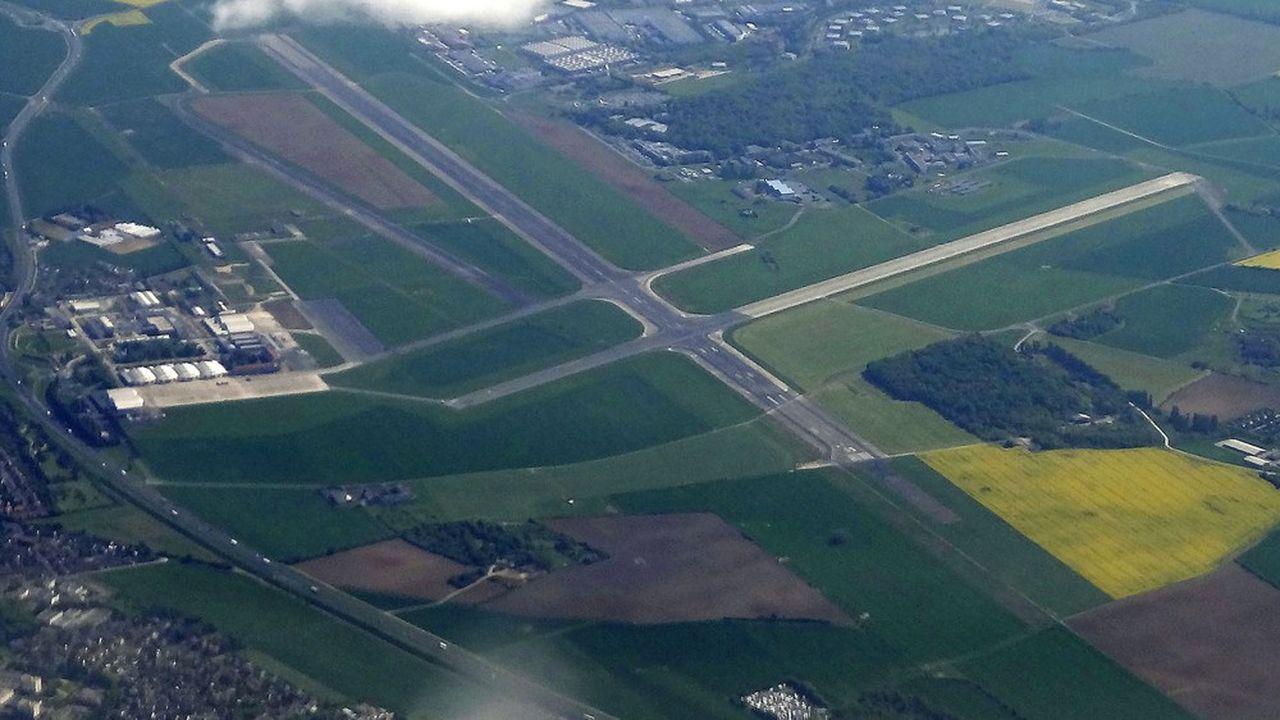 La plupart des élus de l'agglo Coeur d'Essonne s'interrogent sur les conséquences environnementales de l'arrivée d'un data center sur l'ancienne base aérienne 217.