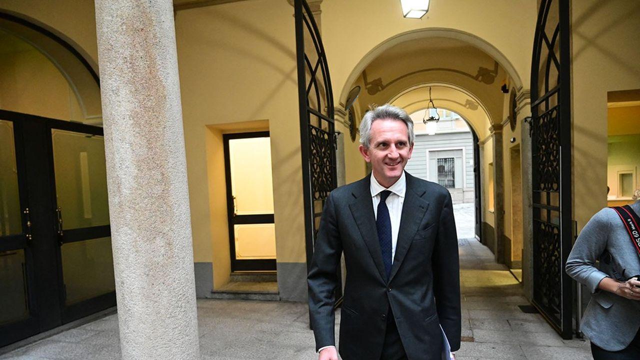 Alberto Nagel, il boss di Mediobanca, vuole lavorare con gruppi imprenditoriali.