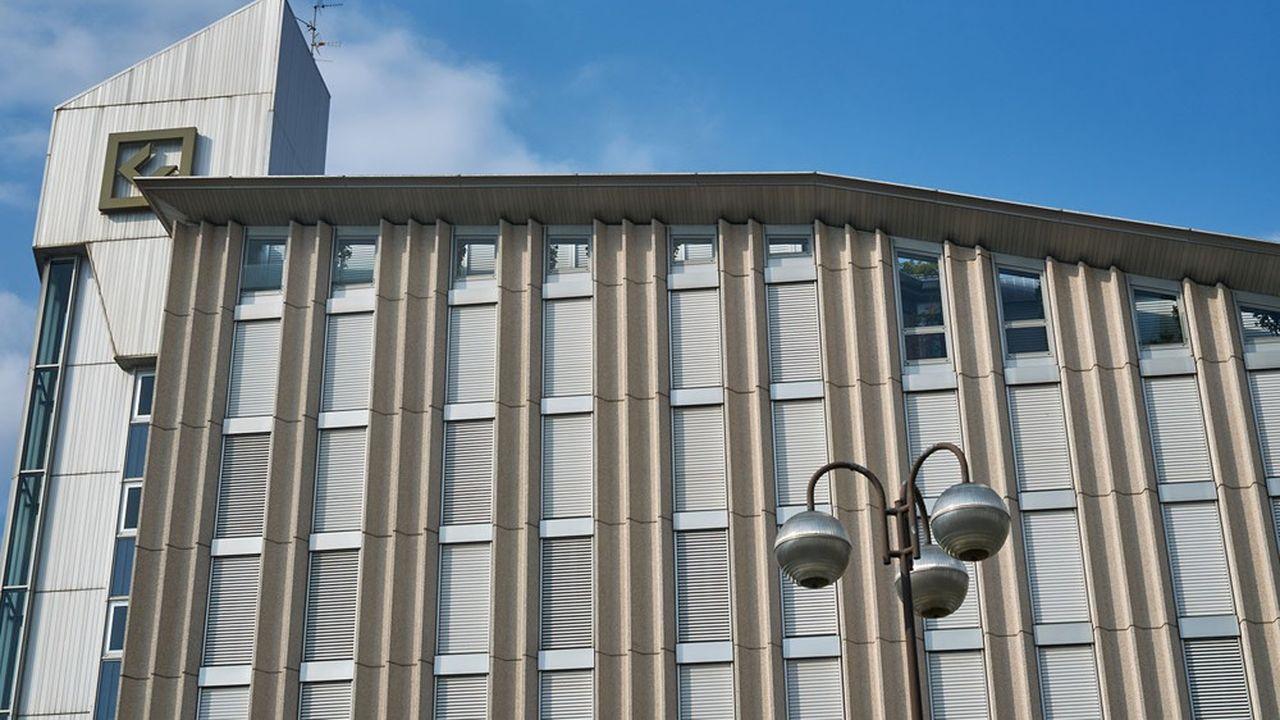 La banca Creval (qui nella città di Lecco, in Lombardia) conta 700.000 clienti e 355 filiali nel Paese.