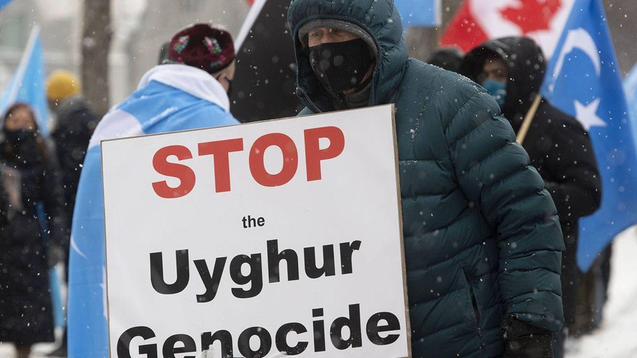 Le Canada reconnaît un « génocide » contre les Ouïghours en Chine