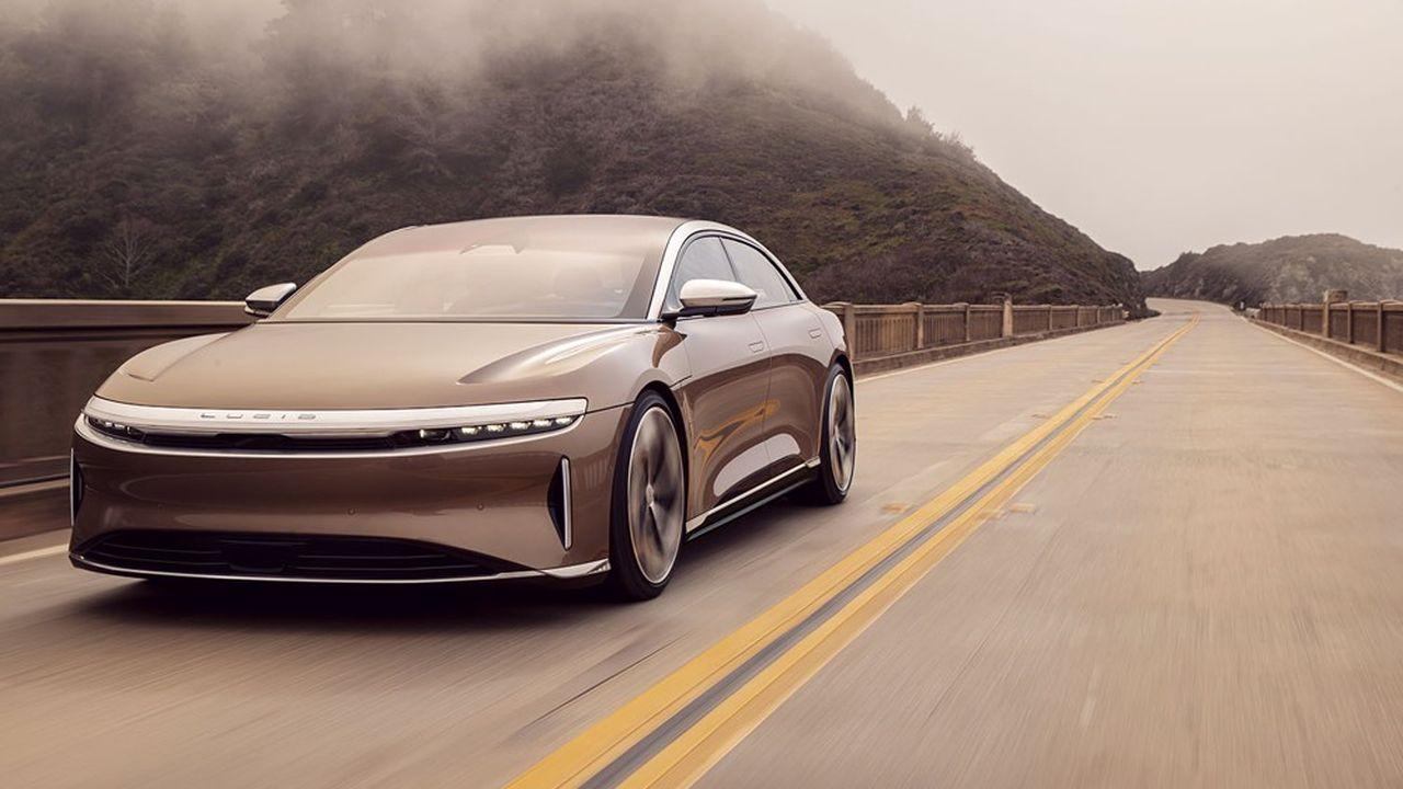 La start-up de véhicules électriques Lucid entre en Bourse et lève 4,4 milliards - Les Échos