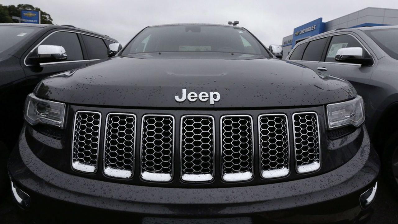 Il Cherokee è uno dei modelli Jeep più famosi.  Lanciato nel 1974, ha conosciuto non meno di 5 generazioni ed è stato declinato in Grand Cherokee.