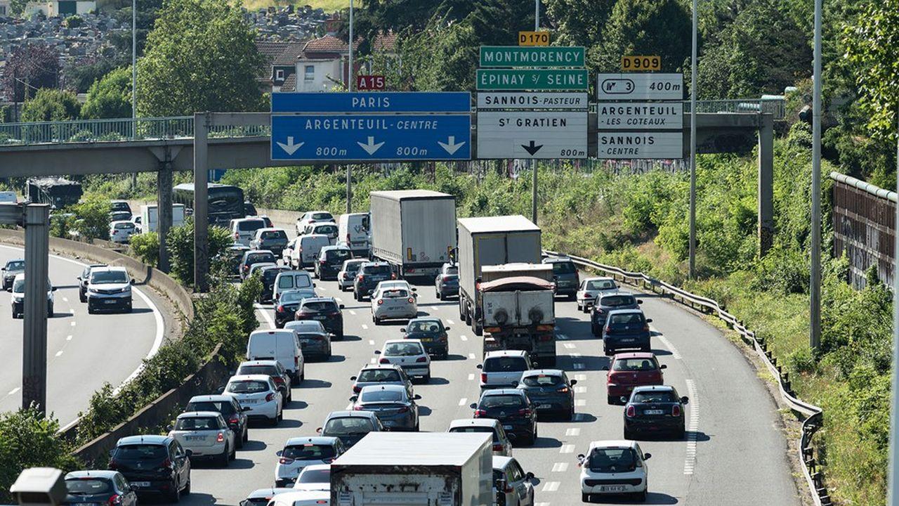 La voie de gauche de l'A15 serait réservée aux véhicules transportant au moins deux personnes et couvrirait un tronçon d'environ 8kilomètres.