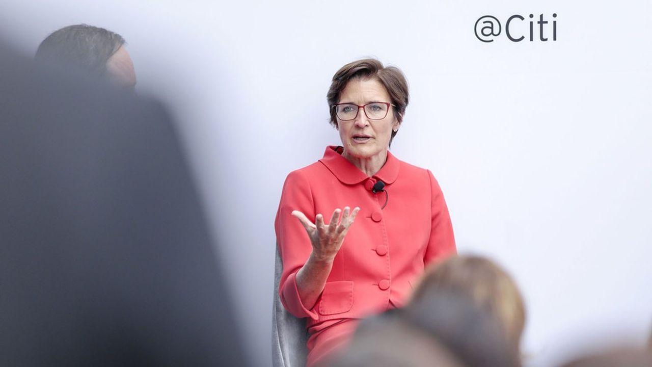 D'origine écossaise, Jane Fraser est arrivée aux Etats-Unis pour faire ses études, et travaille au sein de Citigroup depuis 2004.