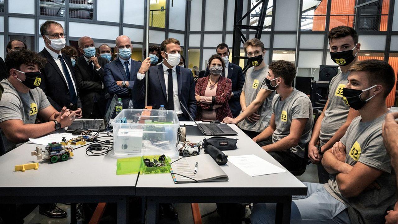 Emmanuel Macron veut quadrupler le nombre de jeunes en mentorat cette année en le portant à 100.000.