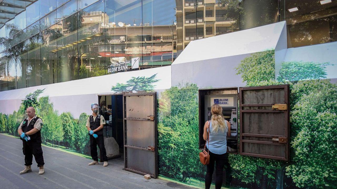Les banques libanaises plafonnent les retraits des clients.