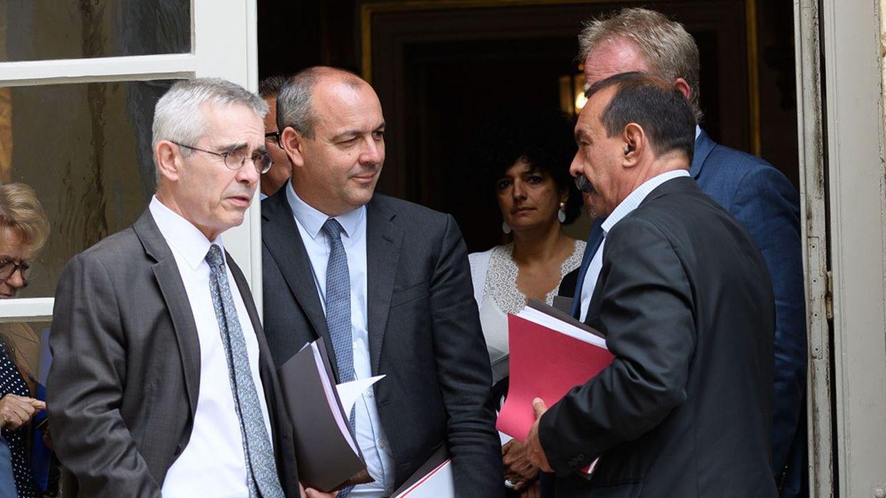 Yves Veyrier, Laurent Berger et Philippe Martinez, leaders de FO, de la CFDT et de la CGT, à la sortie du premier sommet social organisé par Jean Castex, en juillet2020.