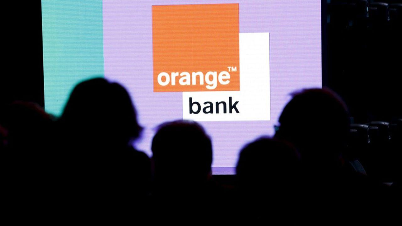 Stephane Richard, PDG du groupe Orange, annonce le lancement d'Orange Bank, service bancaire gratuit.