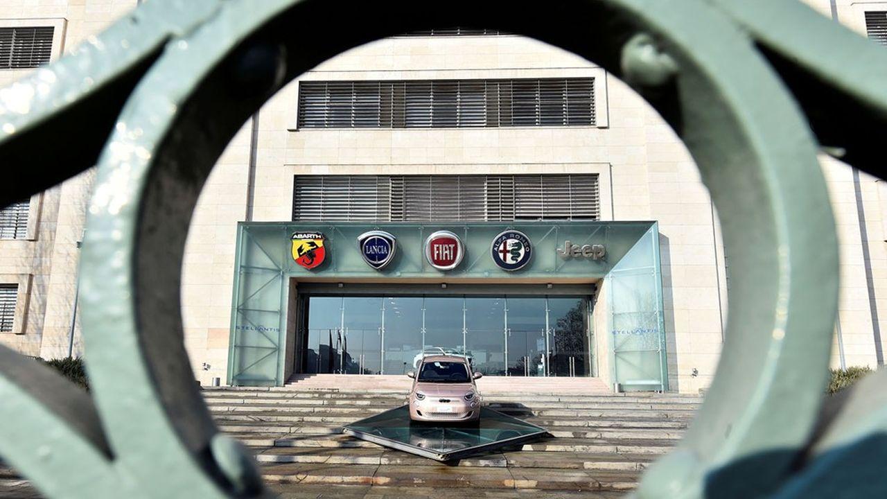 Le nouveau géant de l'automobile, né de l'union des deux groupes centenaires, compte 14 marques et plus de 400.000 salariés.