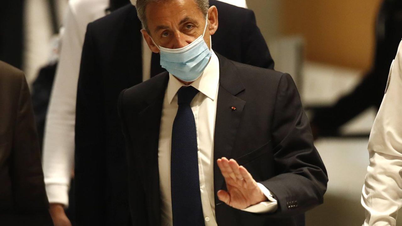SONDAGE EXCLUSIF - Popularité : Nicolas Sarkozy plombé par sa condamnation