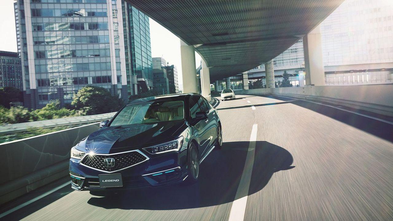 Ravi de commercialiser son modèle avant les prestigieux Tesla, Mercedes-Benz ou Audi, Honda reste très prudent et ne prévoit, pour l'instant, de vendre que 100 Legend Hybrid EX.