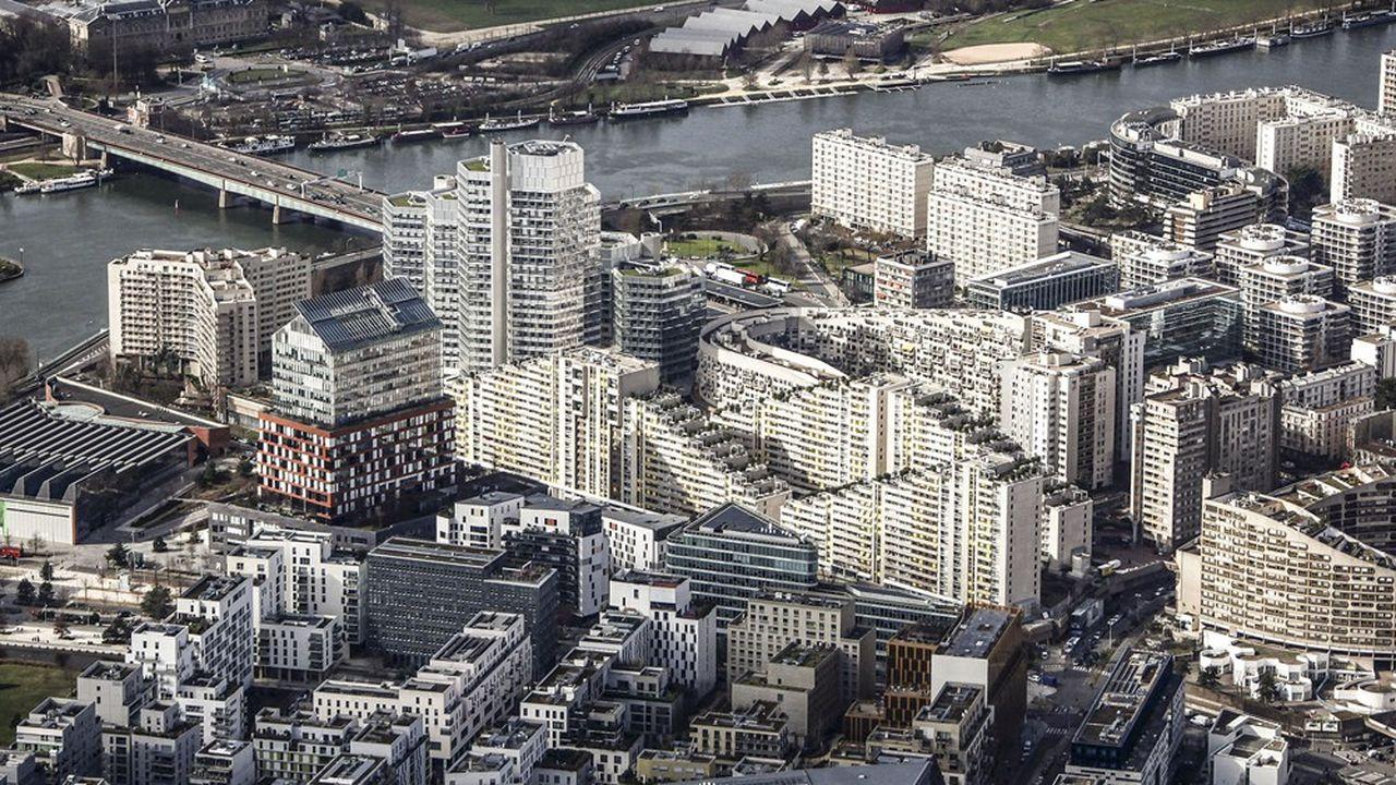La mairie voudrait offrir à son équipe de basket-ball professionnelle, les Metropolitans 92, l'une des plus grandes salles dédiée de France.
