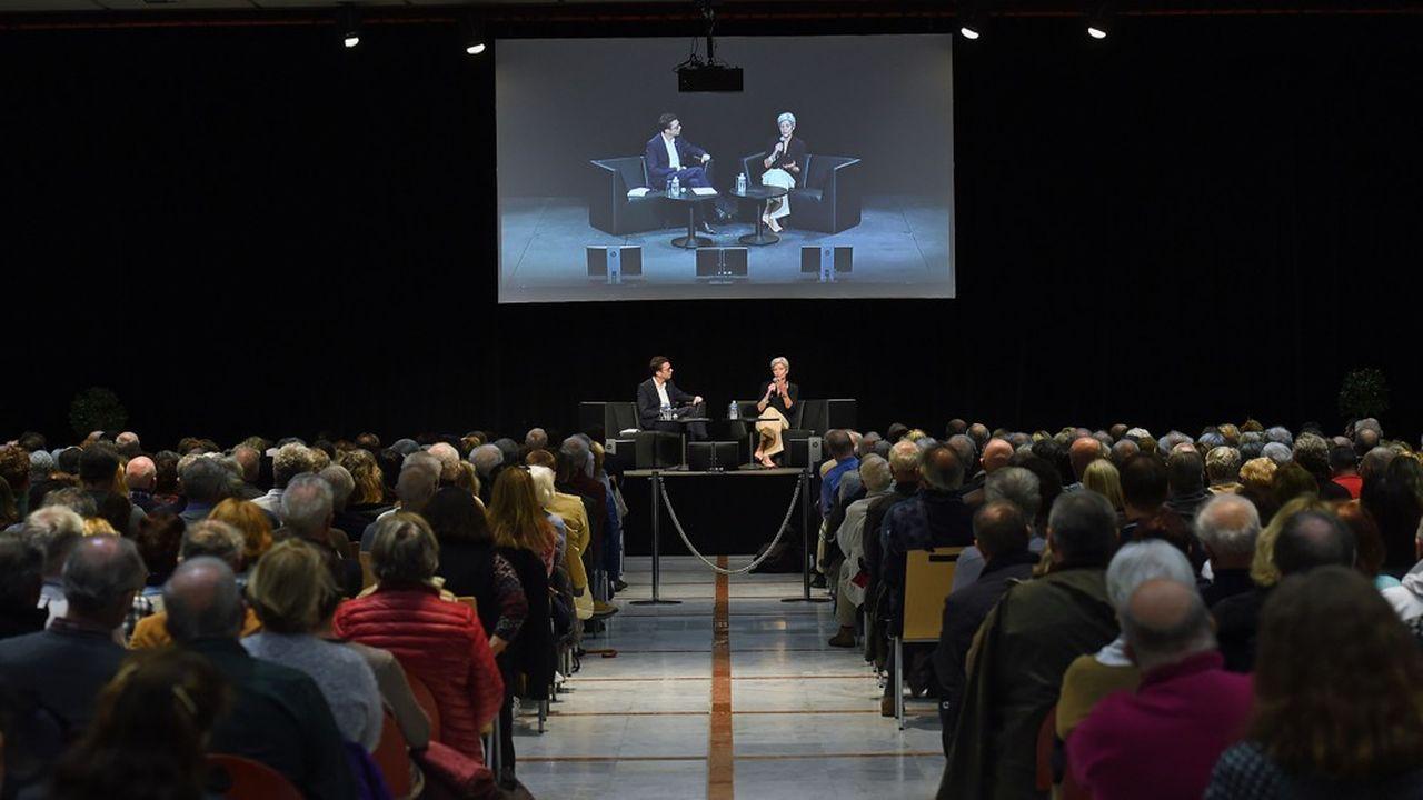 Nicolas Bouzou et Claudie Haigneré, première femme européenne dans l'espace et ancienne ministre, lors des Rencontres de l'avenir en novembre2019, au Palais des Congrès de Saint-Raphaël.
