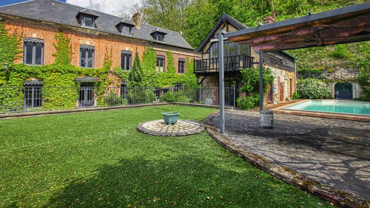 Une maison avec piscine en Normandie, à 1h30 de Paris