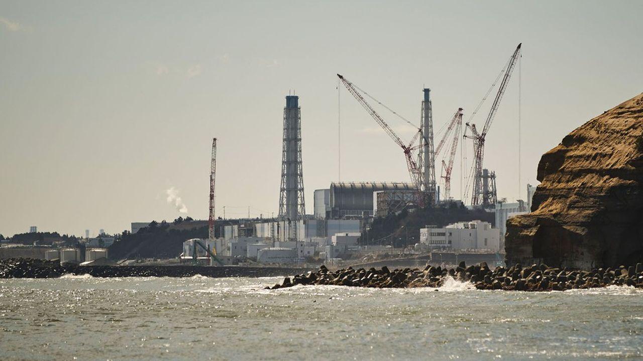 L'électricien Tepco doit désormais dépenser, en moyenne chaque année, entre 1 et 2milliards de dollars pour financer le démantèlement de sa centrale de Fukushima Daiichi ravagée le 11mars 2011.