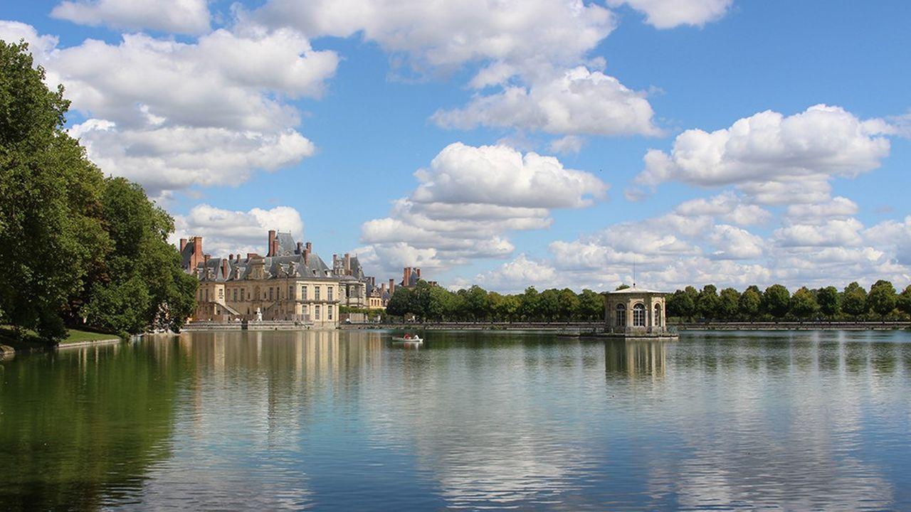 L'étang aux carpes du château de Fontainebleau.