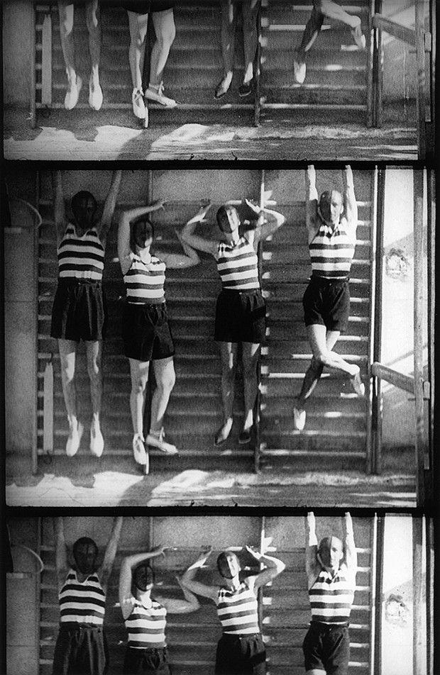 Man Ray, «Les Mystères du Château», documentaire de 1929.