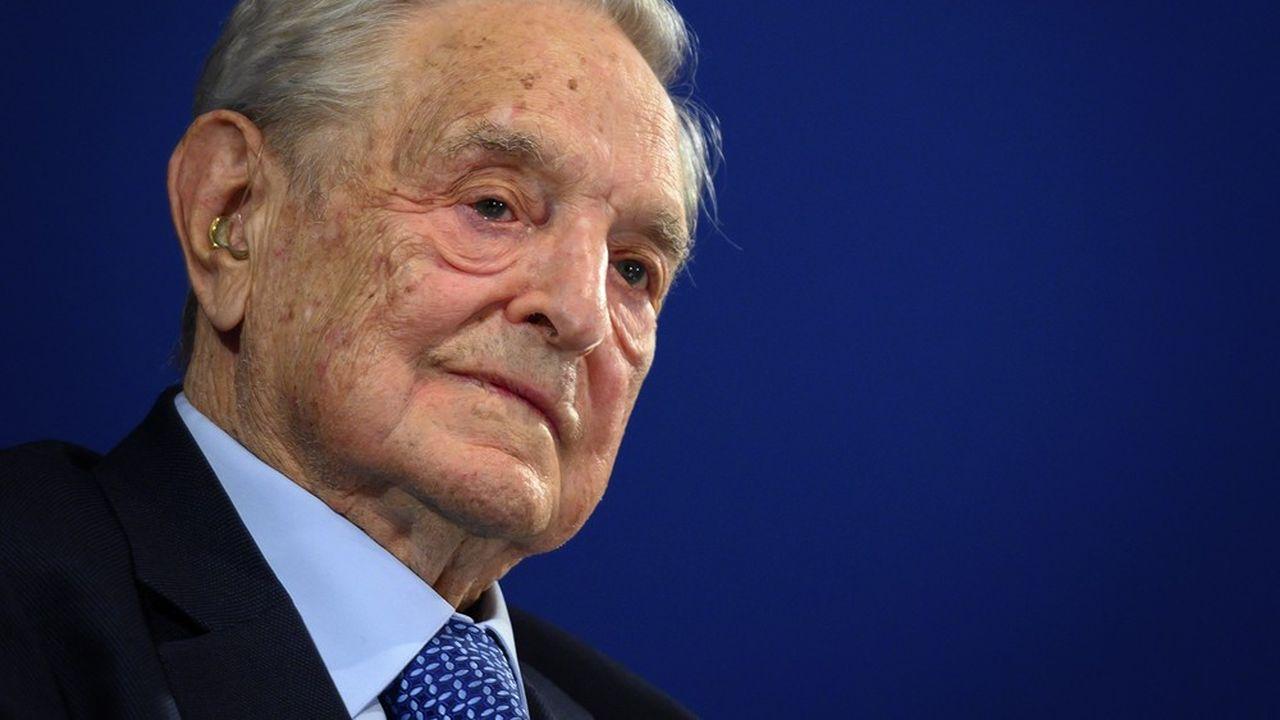 La fortuna di George Soros è stata stimata a $ 8,6 miliardi nel 2020 da Forbes al numero 162 del mondo, un guadagno di 16 posizioni dal 2019 e un aumento di $ 300 milioni nella sua ricchezza.