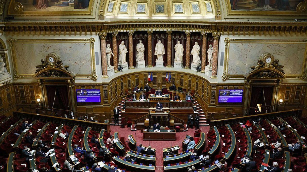 Le texte devrait être examiné la semaine du 17mai au Sénat, avant de passer à l'Assemblée nationale.