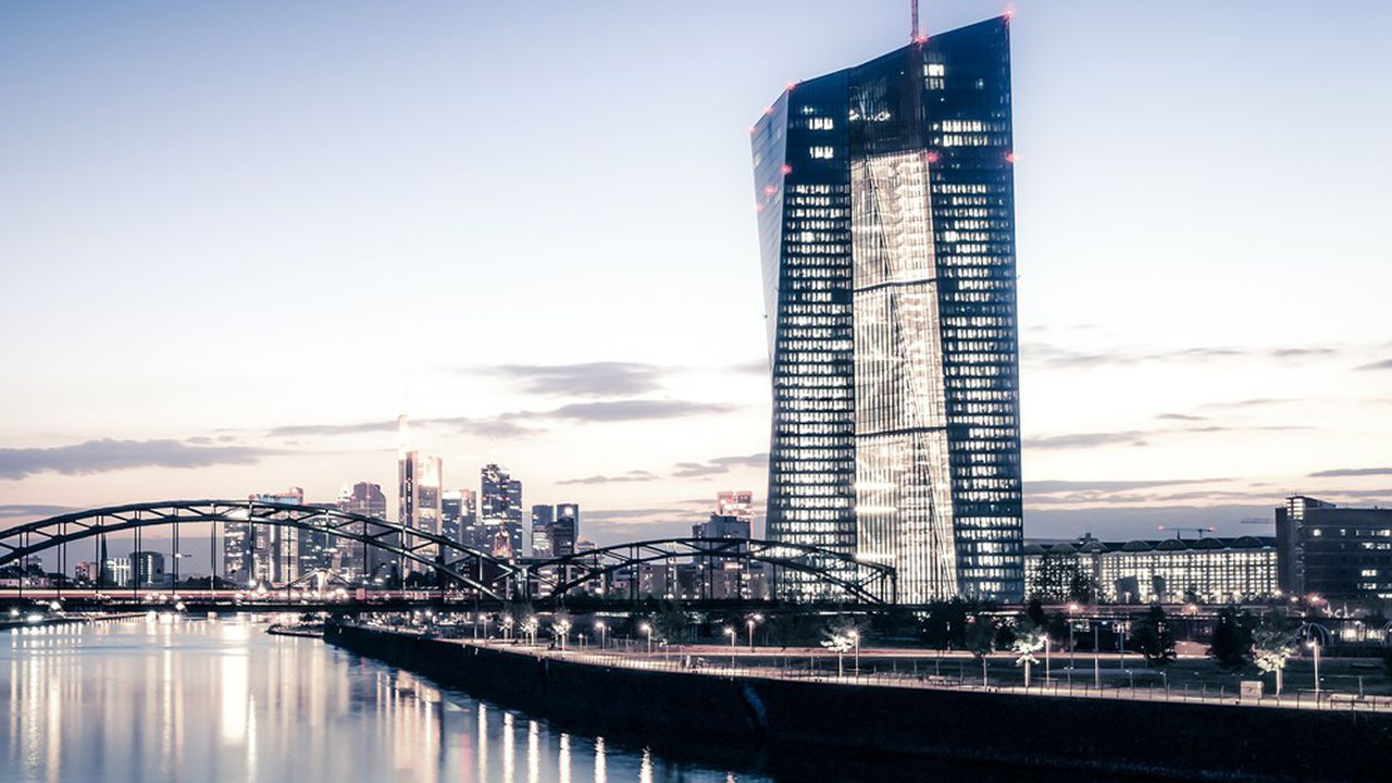 La domanda allo sportello della BCE rappresentava da una volta e mezzo a due volte l'importo previsto.