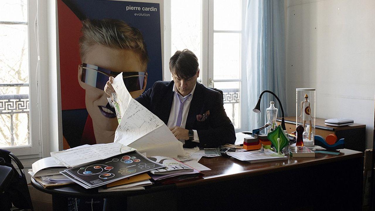 Rodrigo Basilicati-Cardin, petit-neveu et héritier de Pierre Cardin, désormais directeur général de la Société de gestion Pierre Cardin, dans son bureau au siège du groupe, le 1er mars 2021.