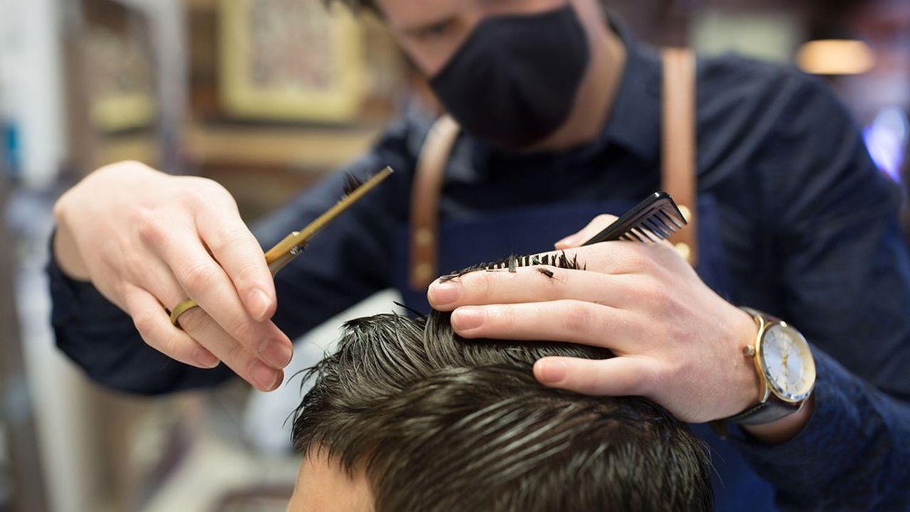 Lors de ce troisième confinement, les salons de coiffure pourront rester ouverts, avec «un protocole sanitaire particulier».