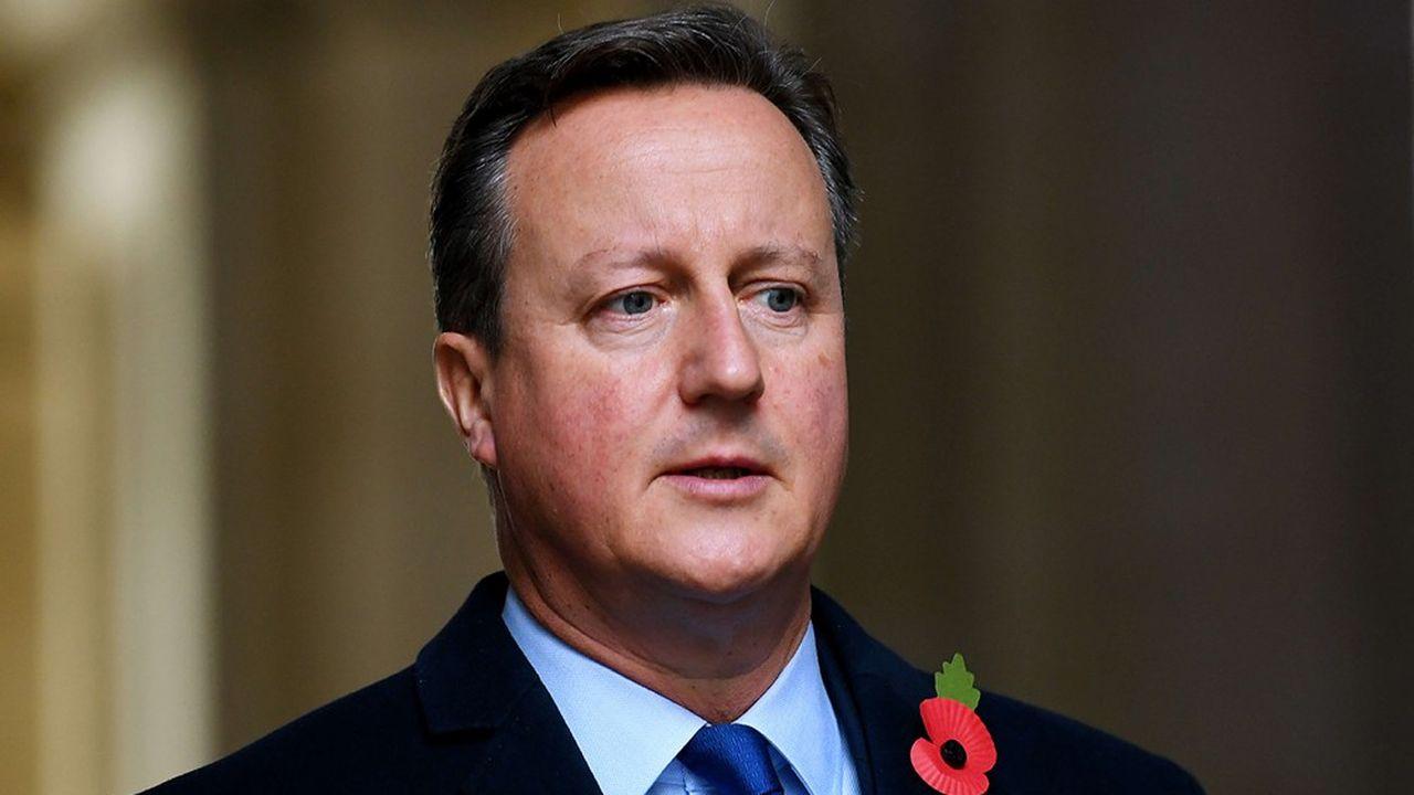 A parte il compenso che gli è stato corrisposto da Greensill, David Cameron ha beneficiato di opzioni su titoli che oggi non valgono nulla, ma che avrebbero potuto portargli decine di milioni di sterline se la società fosse andata come previsto quotata in borsa.