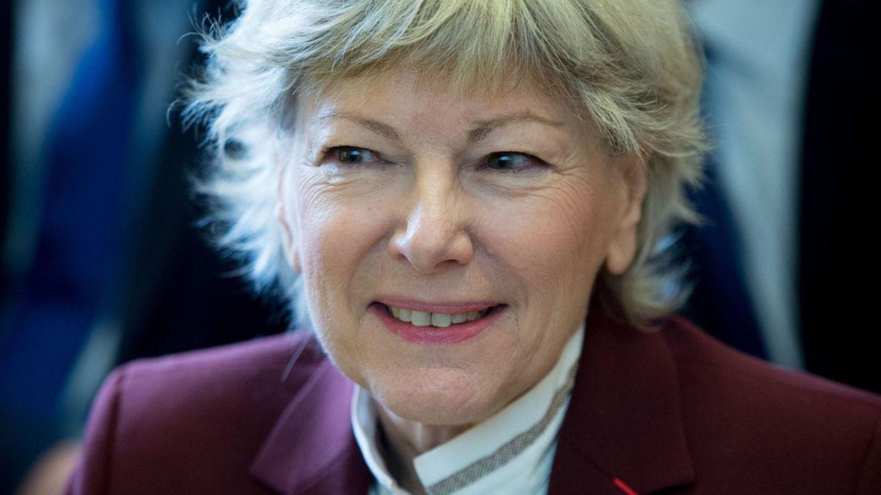 Dominique Le Guludec, la présidente de la Haute Autorité de santé, a recommandé le vaccin d'AstraZeneca contre le Covid pour les patients de 55 ans et plus.