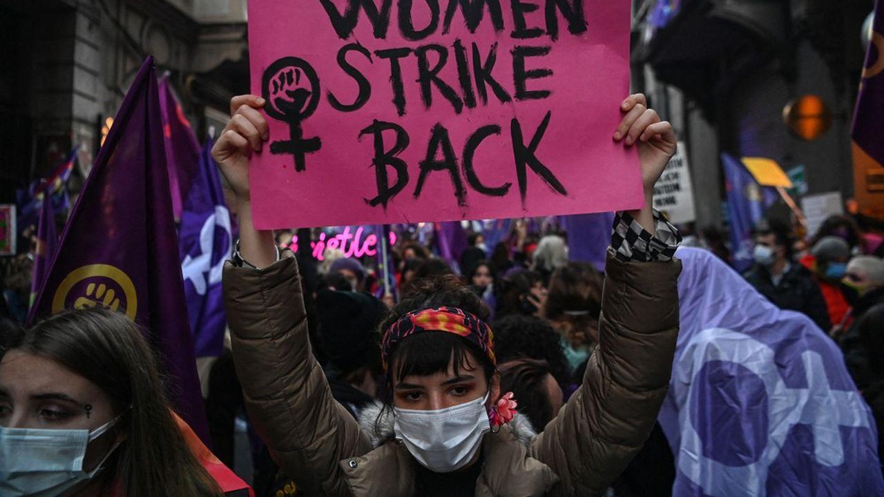 Colère après l'abandon d'un traité protégeant les femmes — Turquie