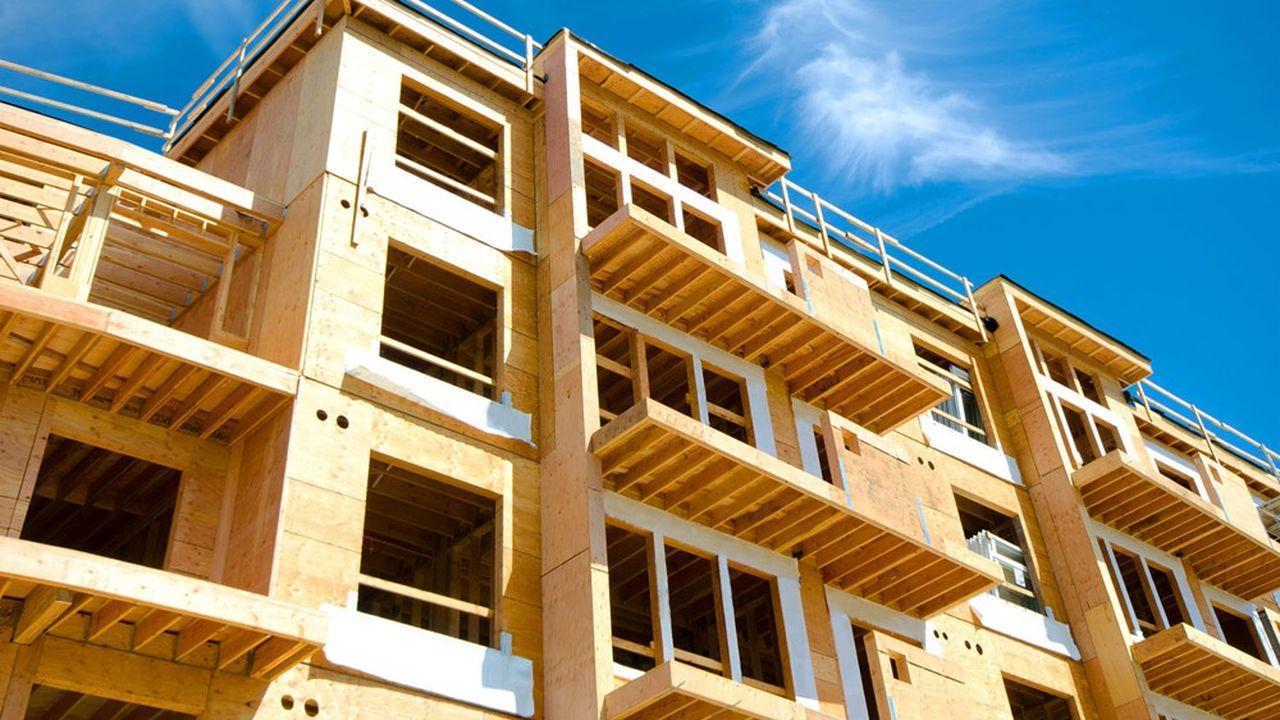 Dans les Pays de la Loire, où le prix du bois de structure livré chantier était de 200euros le mètre cube (m3), des fournisseurs américains qui viennent en chercher en France étaient prêts à l'acheter 700euros le m3 en prix sortie usine, témoigne la FFB.