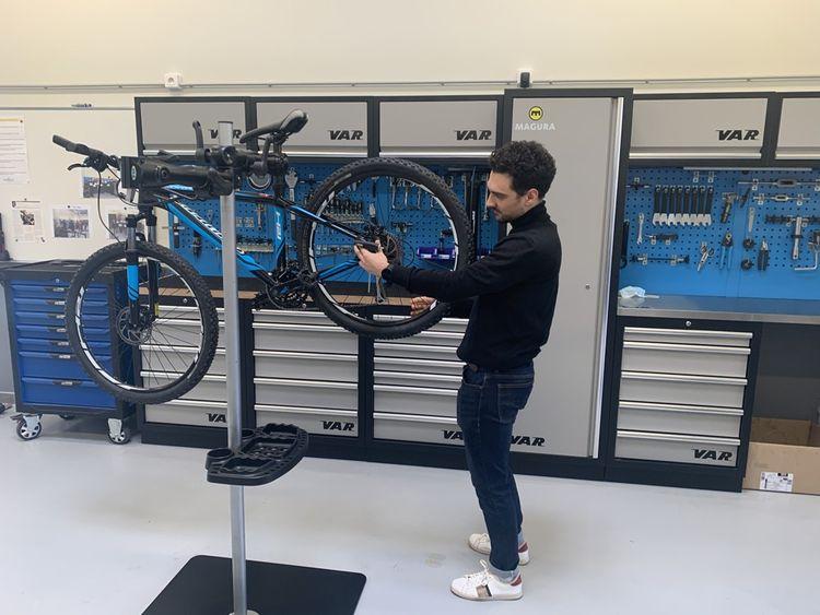Gaétan a commencé sa formation de «technicien cycle» en alternance chez Go Sport en septembre dernier.