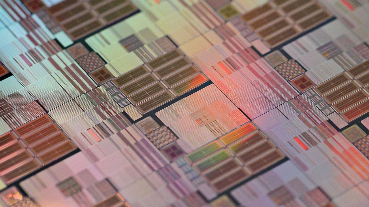 Une plaquette de silicium, support des circuits intégrés.