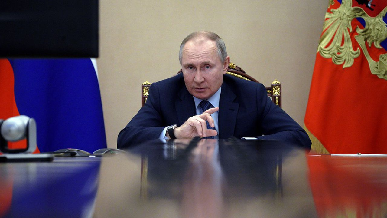 Le président russe, Vladimir Poutine, a rétorqué le 18mars2021 à Joe Biden: «C'est celui qu'il dit qui l'est!»