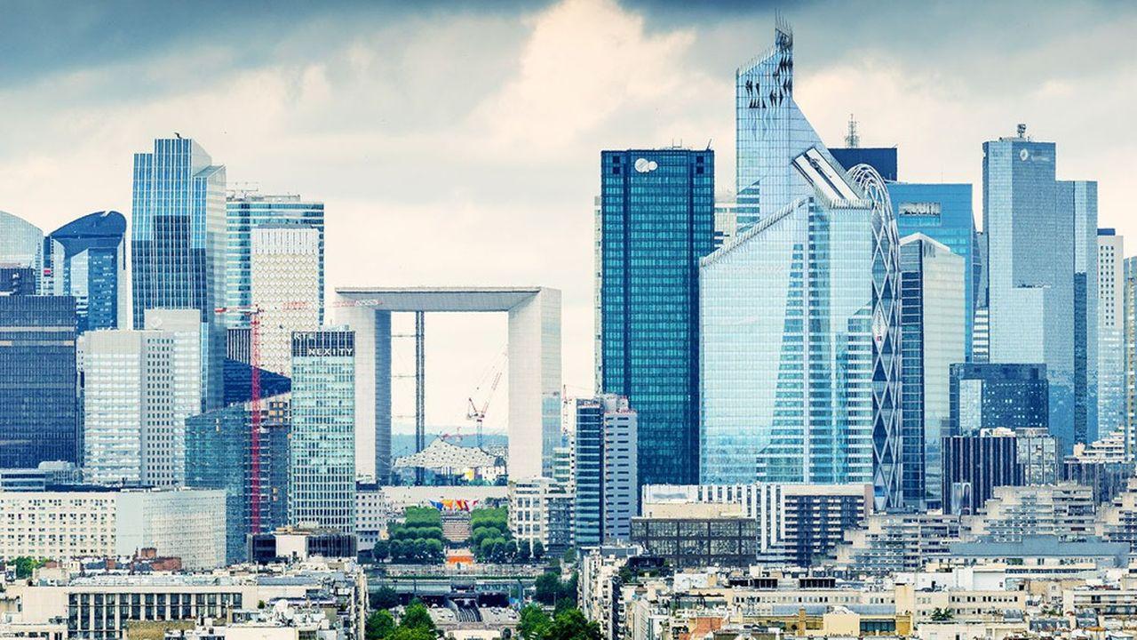 Le banche francesi hanno ceduto tra il 2,5% e lo 0,4% all'inizio della sessione di lunedì.