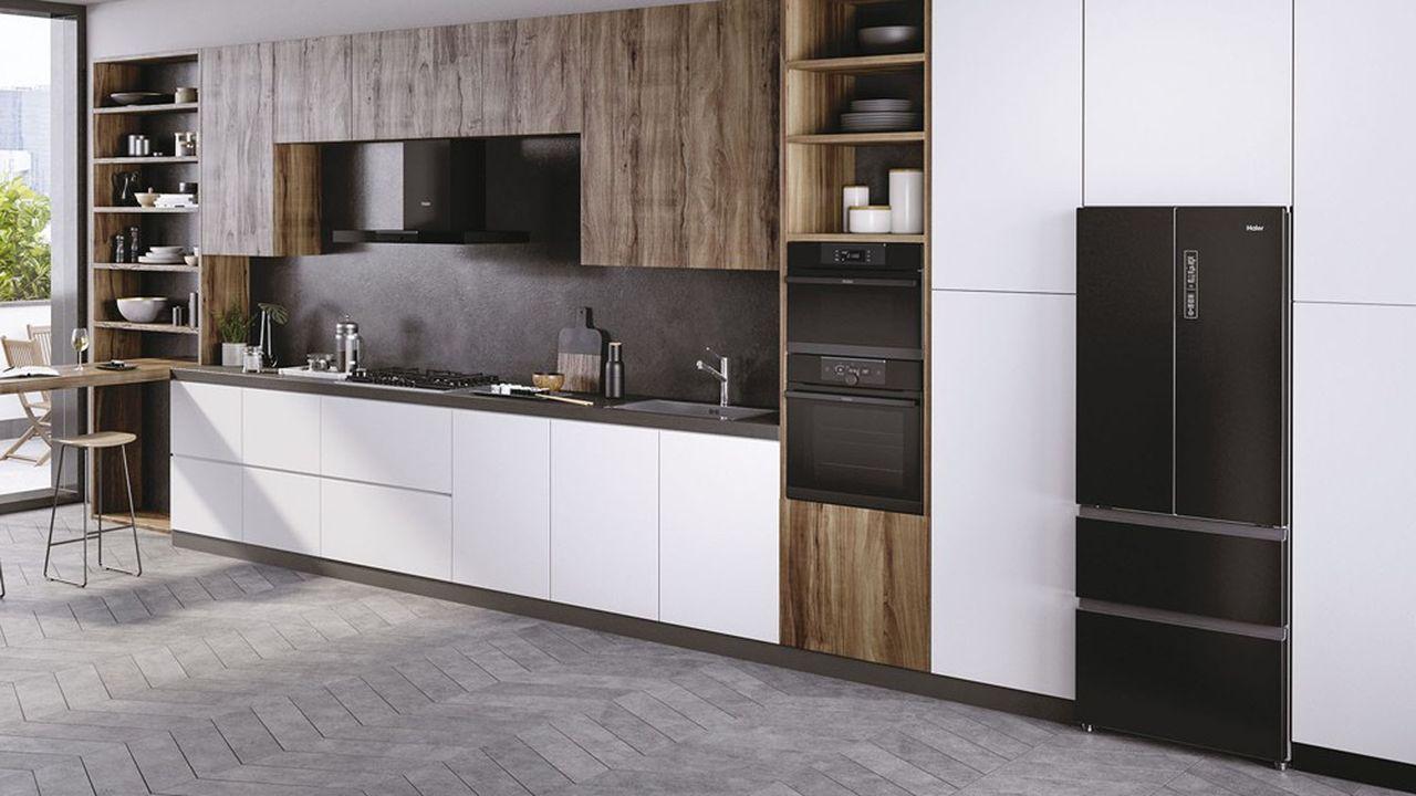 2021 va marquer l'entrée de la marque Haier sur l'encastrable, avec une nouvelle offre de réfrigérateurs.