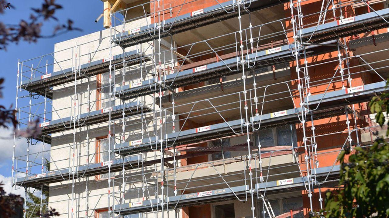 Le nombre de mise en chantiers de logements en France continue de s'éroder.
