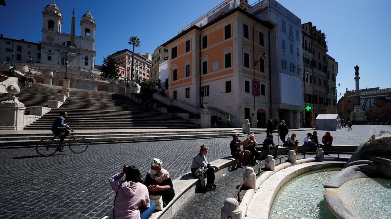 Rome craint que ne se répète le scénario de l'été dernier, lorsque les Italiens de retour de vacances avaient multiplié les foyers de Covid-19.