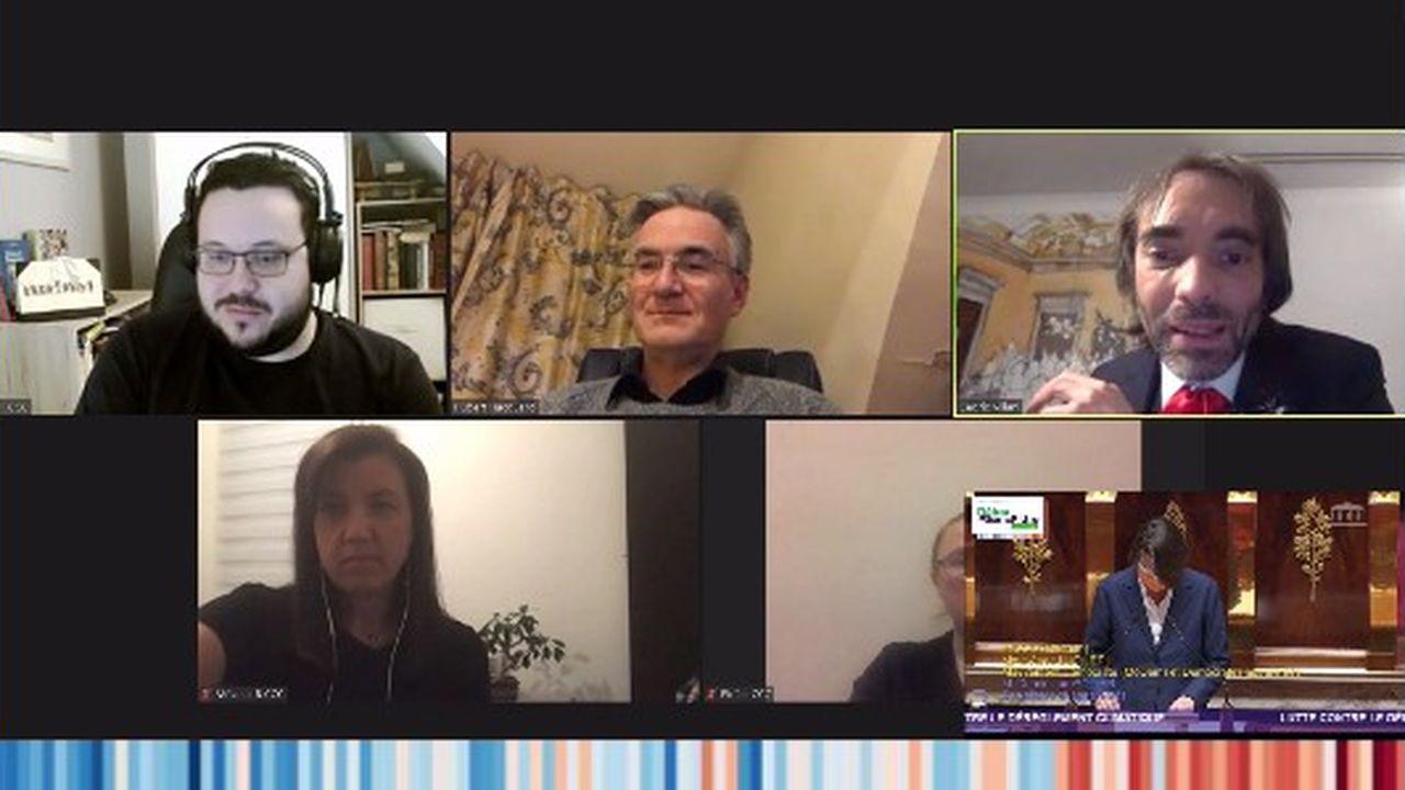Sur Twitch, Cédric Villani (en haut à droite) a commenté le débat parlementaire de 16 à 19heures lundi 29mars en compagnie de plusieurs citoyens de la Convention Climat sur Twitch.