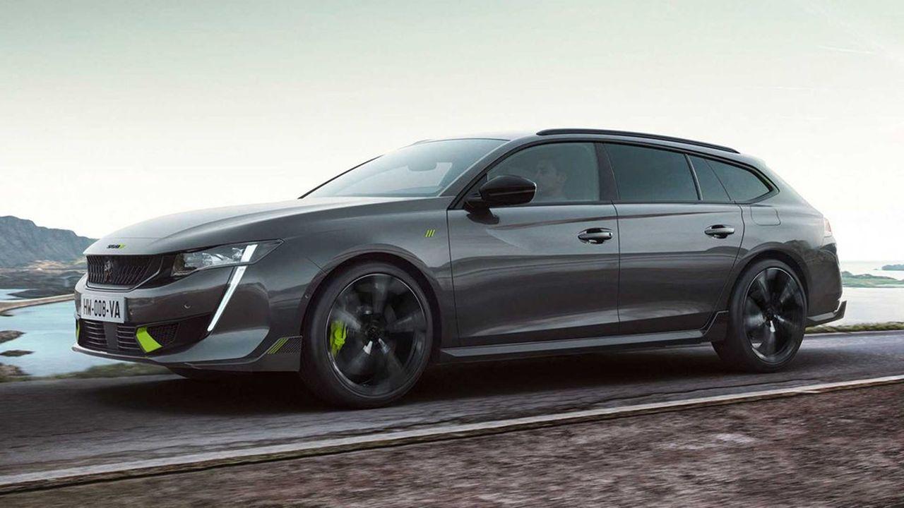 Cette 508 PSE (pour « Peugeot Sport Engineered ») dispose d'une motorisation hybride rechargeable de 360 ch et est dotée d'une transmission intégrale.