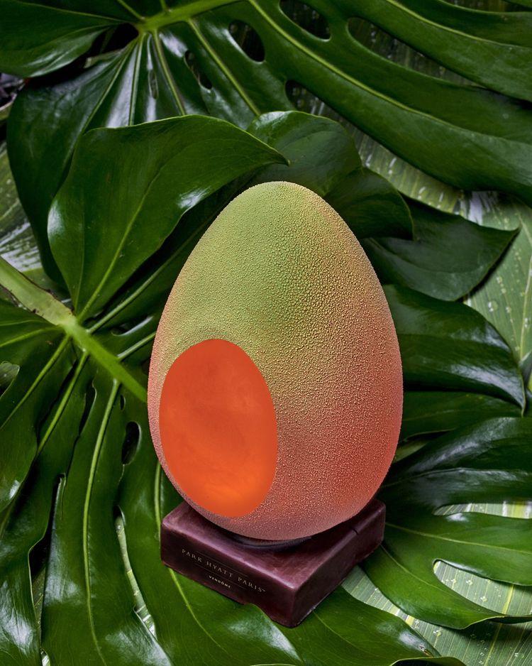 Alphonso, «l'oeuf-mangue» de Jimmy Mornet, au Park Hyatt Paris-Vendôme.