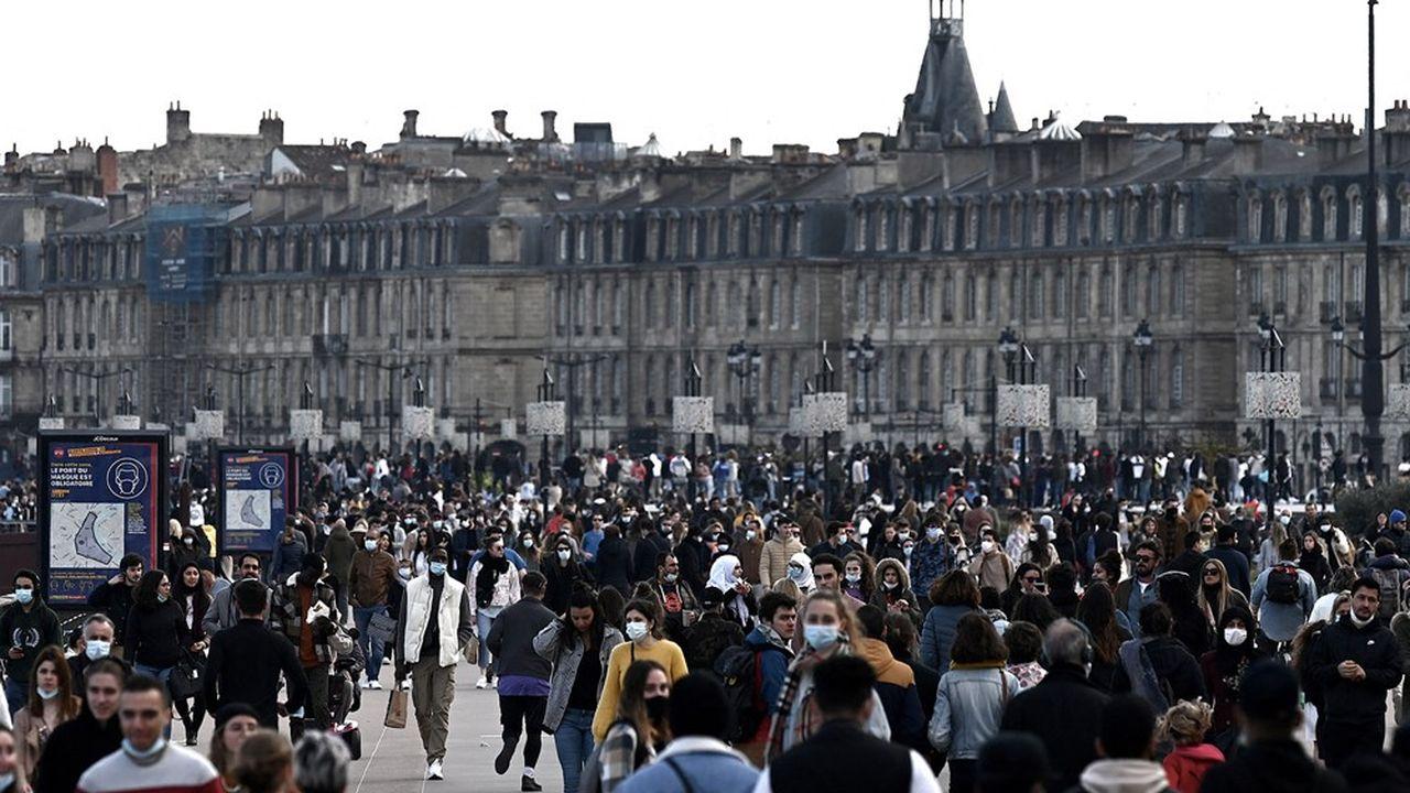 A Bordeaux et dans l'ouest du pays, l'épidémie s'était assagie au début de l'année, mais elle progresse à nouveau.