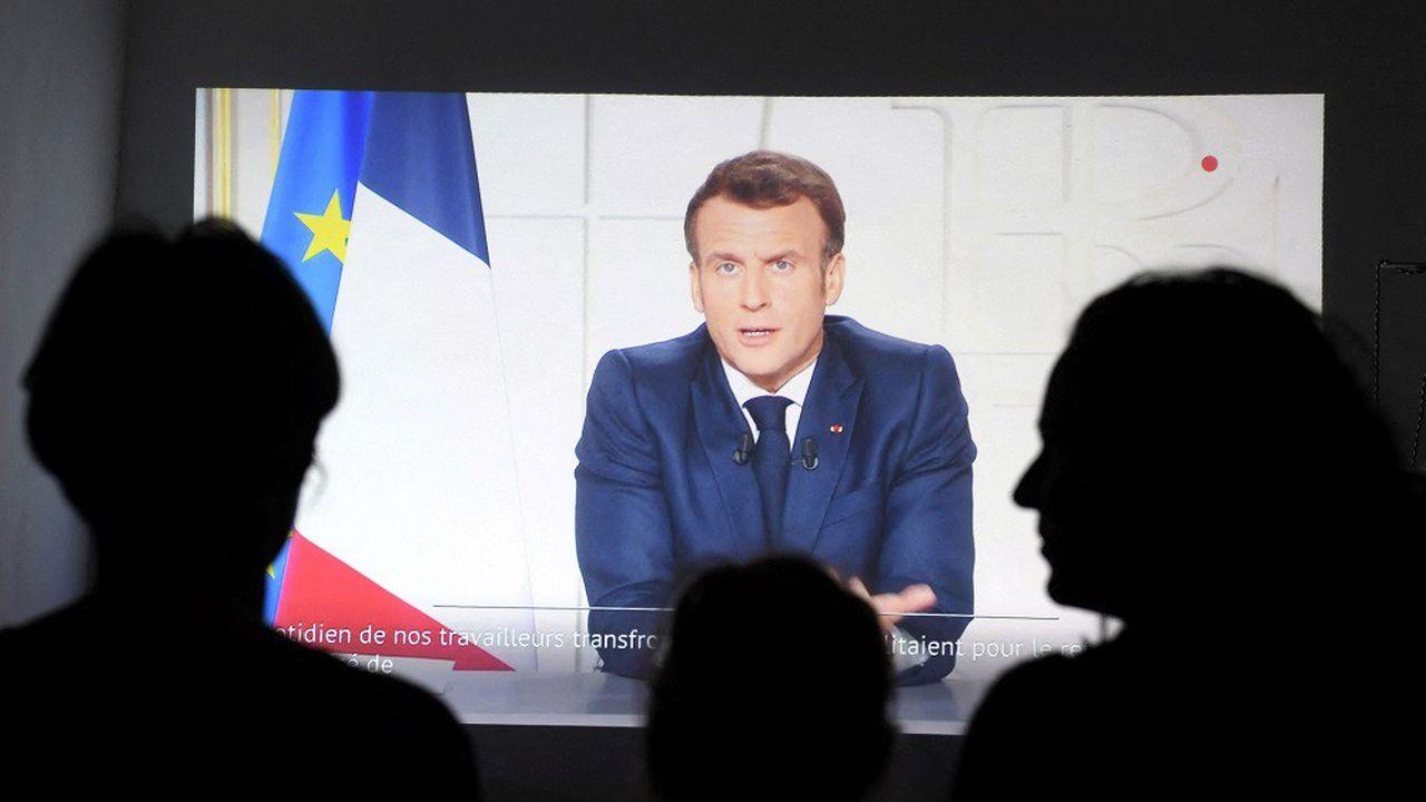 Emmanuel Macron a annoncé la généralisation des restrictions à l'ensemble du territoire.