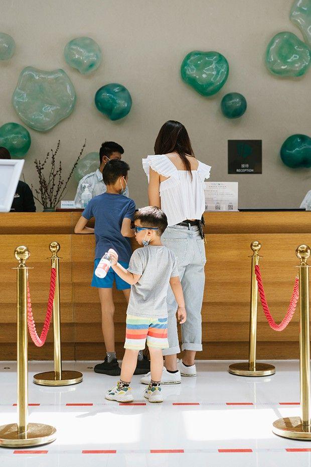Fleuron du tourisme français, Club Med a été racheté par Fosun en 2015. Le concept Joyview (ici celui d'Anji) a été créé spécialement pour le marché chinois.