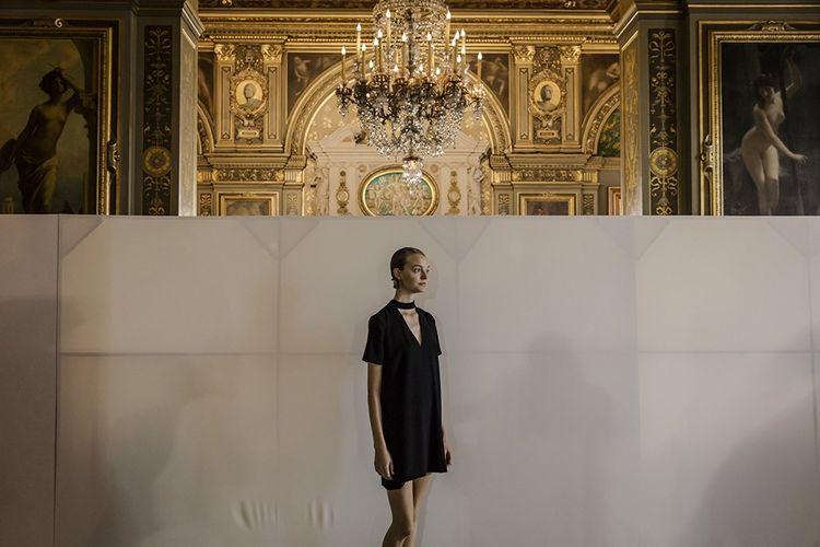 Hôtel de Ville de Paris, septembre 2016 : défilé printemps-été de Lanvin. Son rachat par le groupe Fosun en 2018 lui a donné accès au marché du luxe chinois.