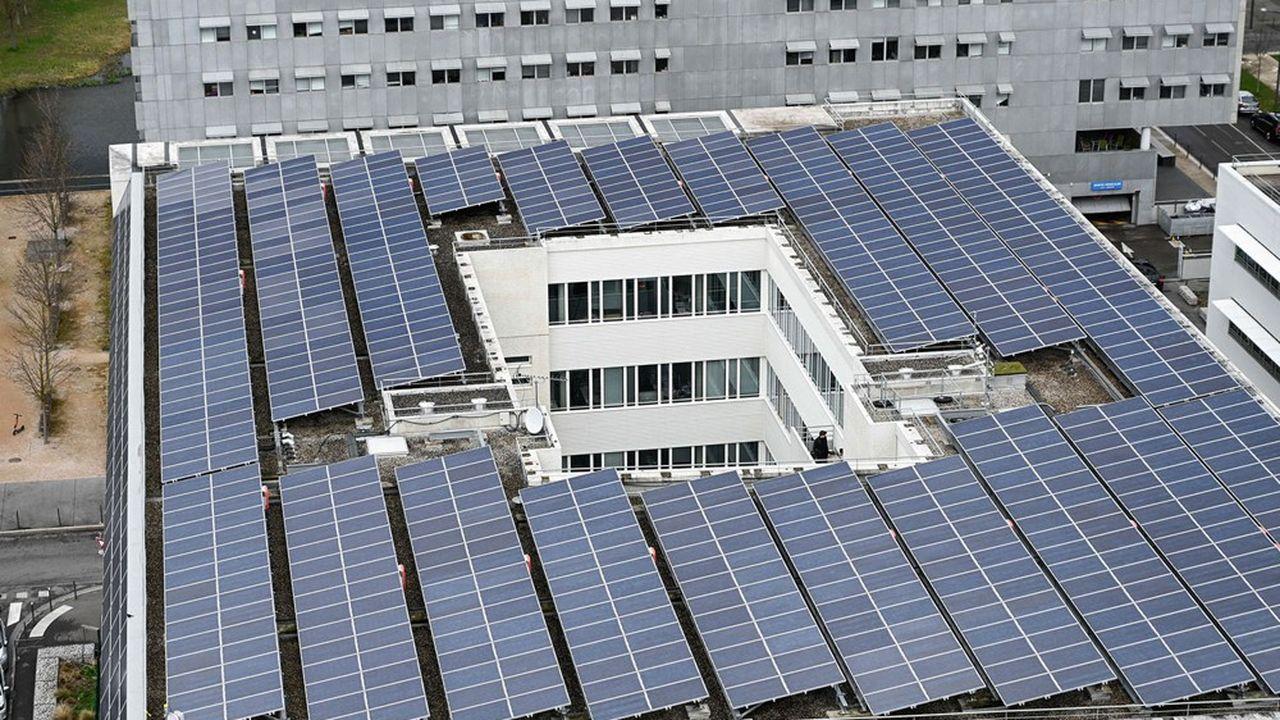 Le groupe Vinci, connu notamment pour ses concessions d'autoroutes et d'aéroports, était déjà présent dans le domaine des infrastructures liées à l'énergie et aux énergies renouvelables via sa division Vinci Energies.