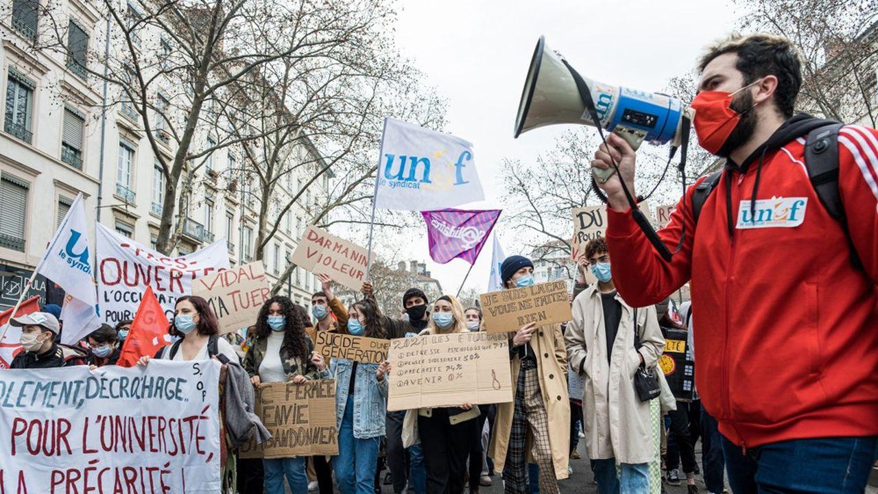 Le syndicat étudiant est pointé du doigt par des élus pour avoir organisé des réunions non-mixtes.