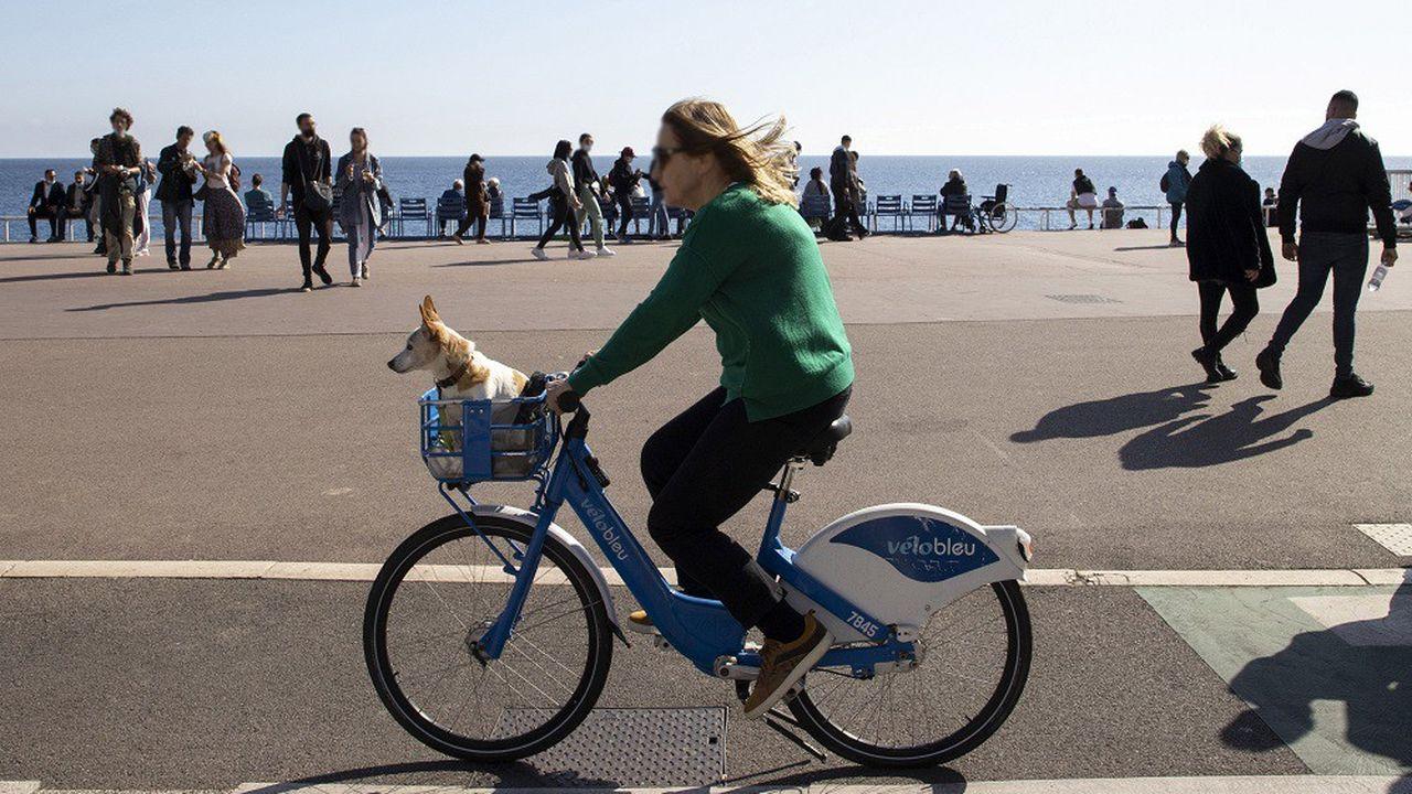 La pandémie a dopé la pratique du cyclisme dans les villes d'Europe.
