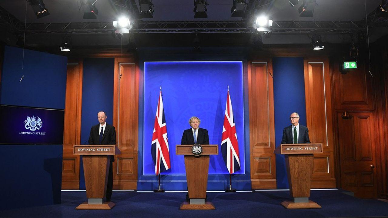 Boris Johnson a dévoilé lundi les cordes de rappel qu'il entend se donner pour éviter toute fragilisation de la situation sanitaire outre-Manche.